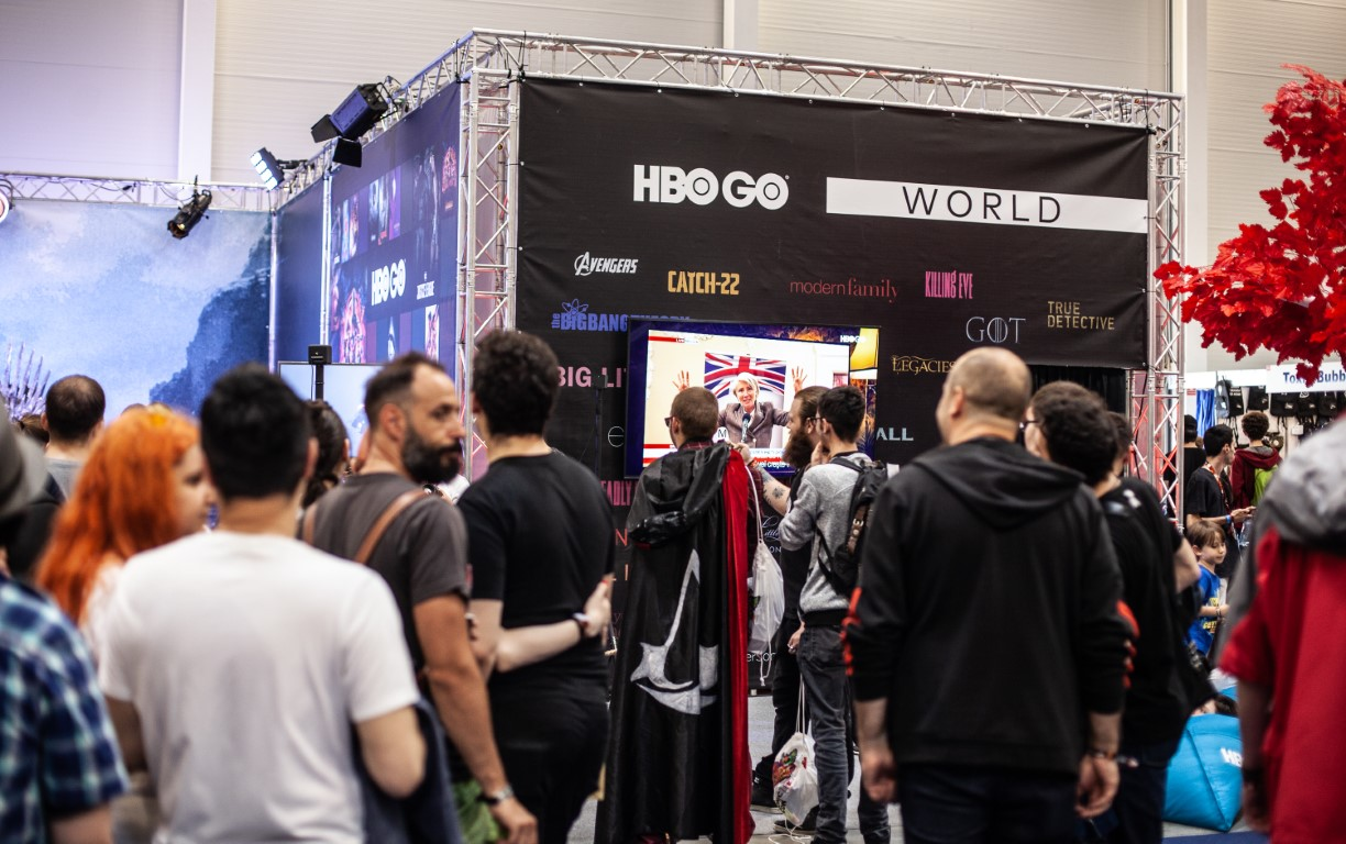 East European Comic Con 2019 @ Romexpo Setup Grila Lumini Stand Game Of Thrones Music Gear (1) (Medie)
