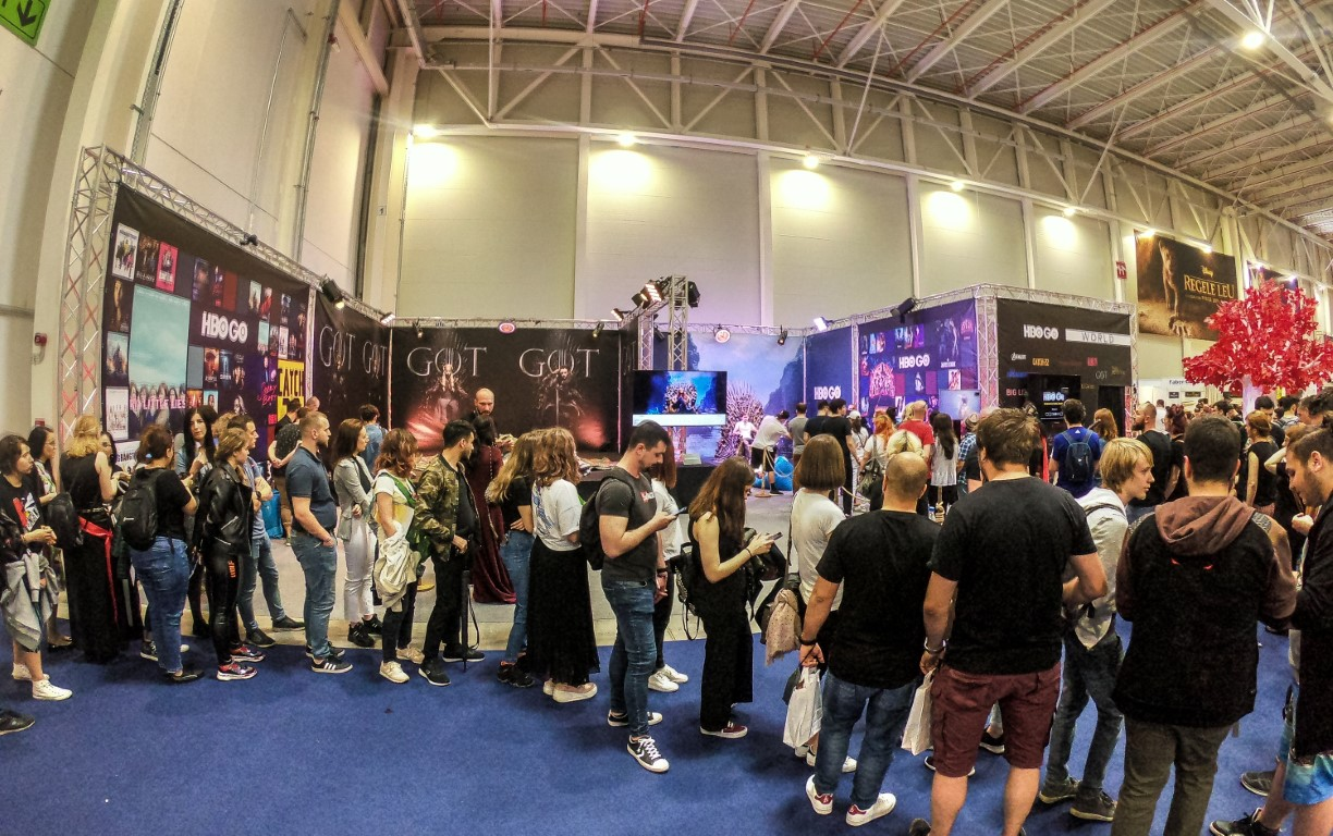 East European Comic Con 2019 @ Romexpo Setup Grila Lumini Stand Game Of Thrones Music Gear (10) (Medie)