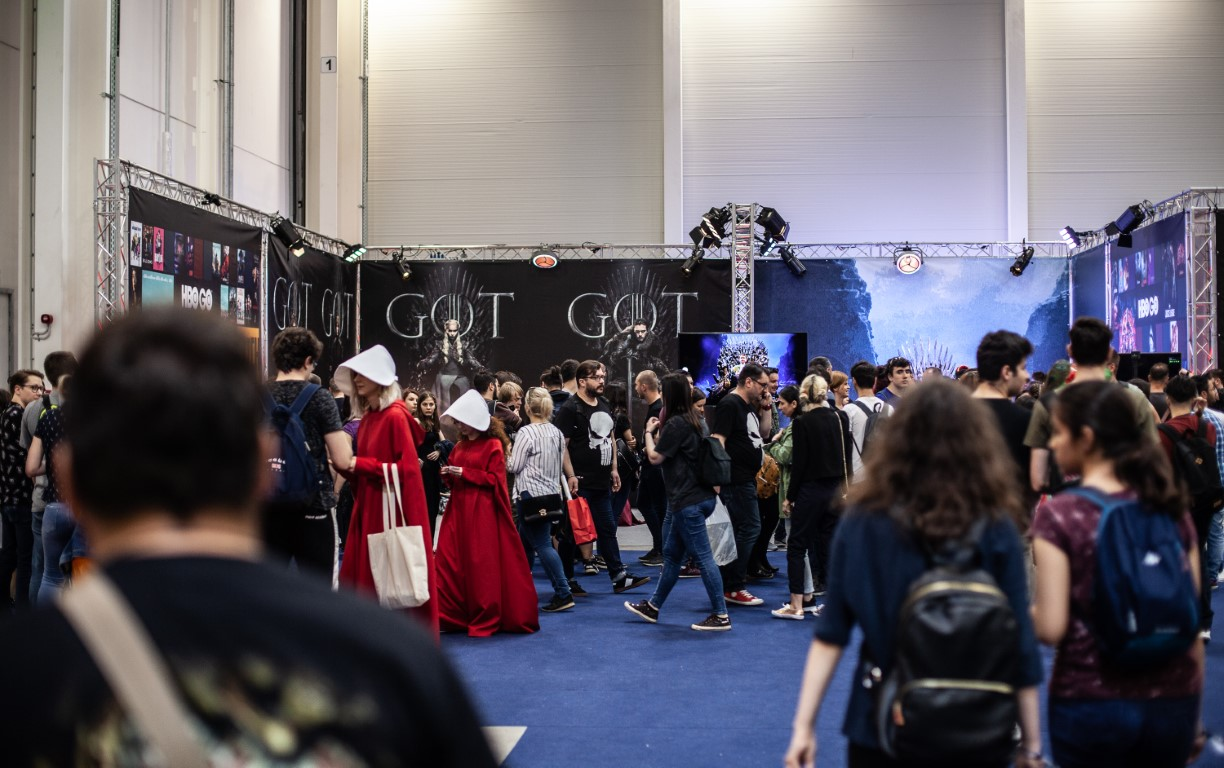 East European Comic Con 2019 @ Romexpo Setup Grila Lumini Stand Game Of Thrones Music Gear (5) (Medie)